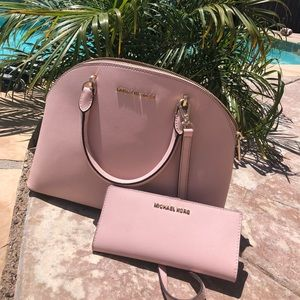 Michael Kors Emmy bag and wallet set